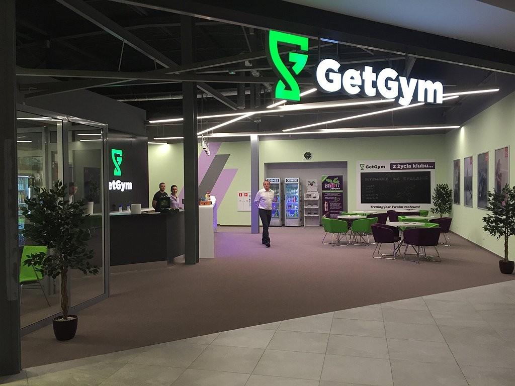 Trening dla mistrzów – podłogowe rewolucje w klubie GetGym