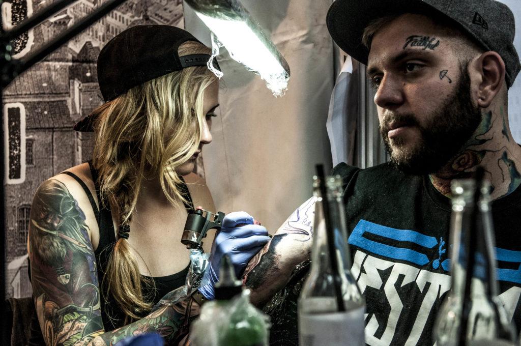 Katowice Tattoo Konwent: Zagrają przy akompaniamencie blisko dwóch setek maszynek do tatuowania