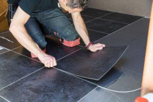 Montaż podłogi – jak skrócić czas inwestycji?