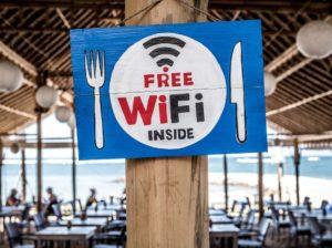To zagrożenie jest praktycznie wszędzie! Publiczne WiFi.