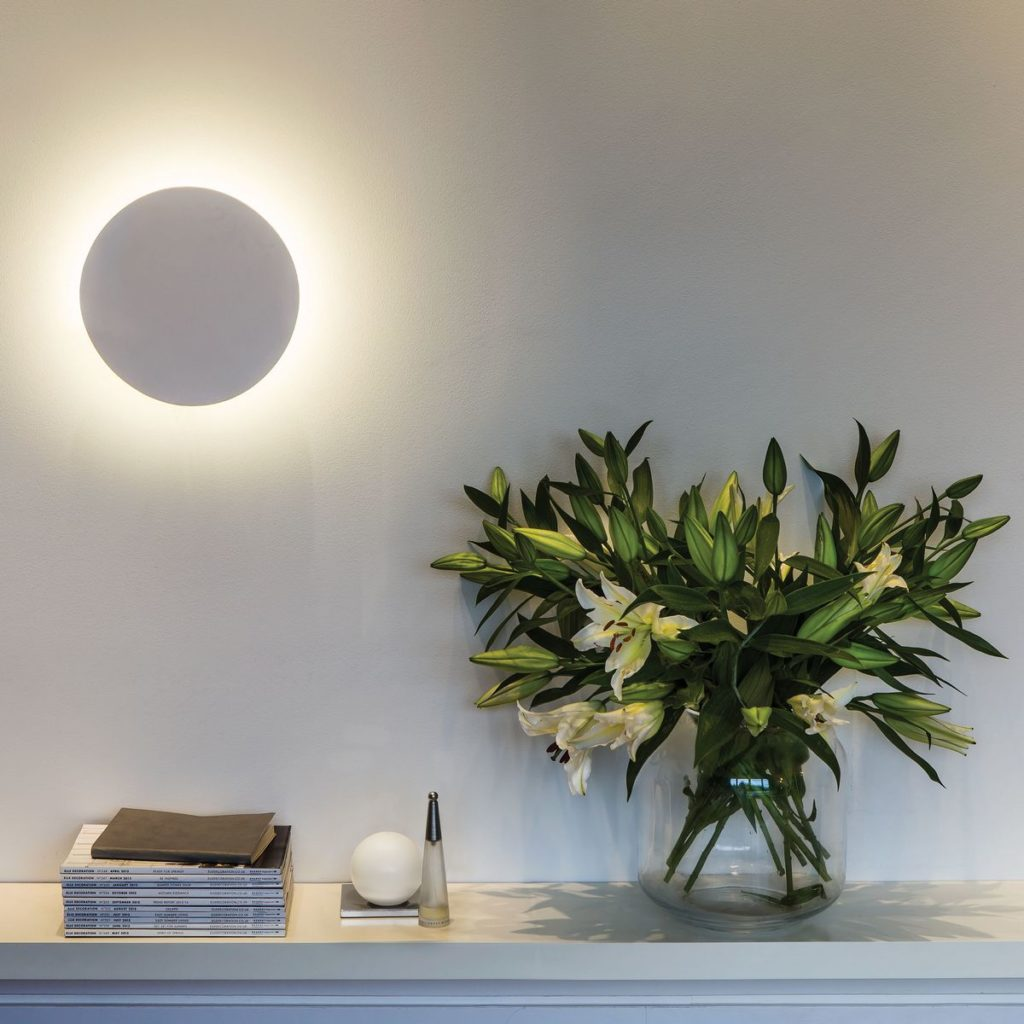 Dlaczego warto postawić na lampy z gipsu?
