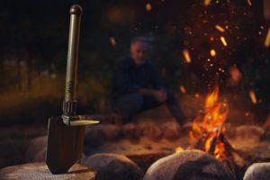 Biwak w głębi lasu – jakie narzędzia zabrać?