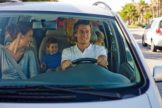 Jak przygotować samochód na długie, wakacyjne podróże?