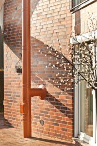 Komfort budowania i remontowania – kominy dwuścienne