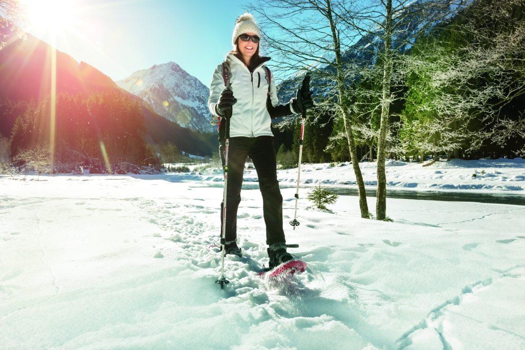 Okularnicy na stok czyli aktywność fizyczna i sporty zimowe w okularach  – moda, wygoda, a może konieczność?