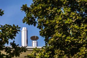 Zbyt niski ciąg kominowy – najczęstsze przyczyny i sposoby na poprawne działanie
