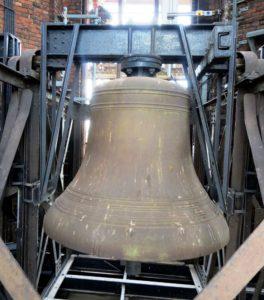 Uratowali zabytkowy system dzwonowy bijący w katedrze w Gliwicach